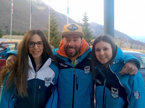 Sofia Groblechner con l'allenatore Alessio Amorth e Sofia Valle