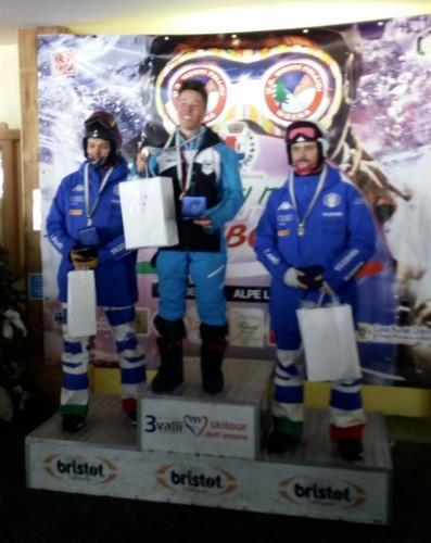 Alessandro Canalia sul gradino più alto del podio fra i giovani