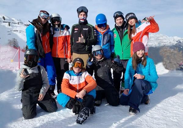La squadra del Comitato Trentino snowboard settore Speed