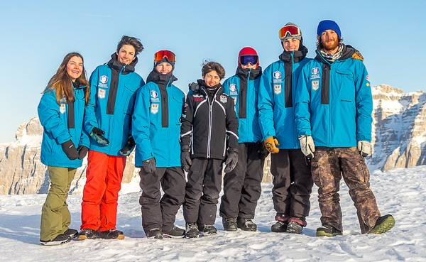 La squadra del Comitato Trentino snowboard settore freestyle