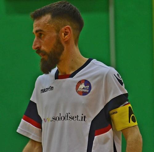 Beppe Fratacci con la maglia dell'Olympia alla 100ª in B