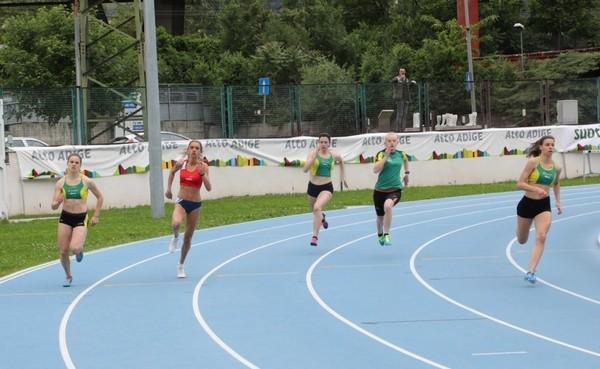 Le atlete dei 200m con (da sx) Scarpiello, Giordani, Pedrin, Bona