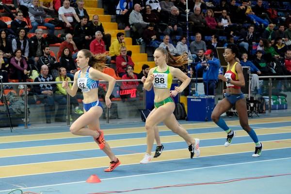 Sophia Favalli lanciata verso la medaglia di bronzo degli 800m U20 (foto FIDAL Colombo)