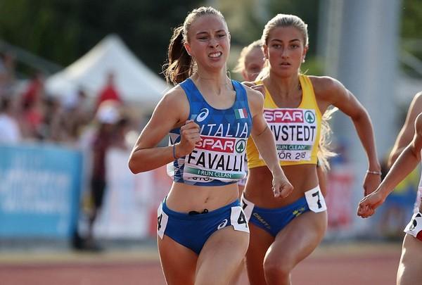 Sophia Favalli in azzurro nel 2018 agli Europei U18 (foto FIDAL/Colombo)