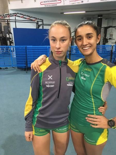 Da sinistra, Sophia Favalli ed Elisa Ducoli protagoniste sui 1000m indoor ad Ancona