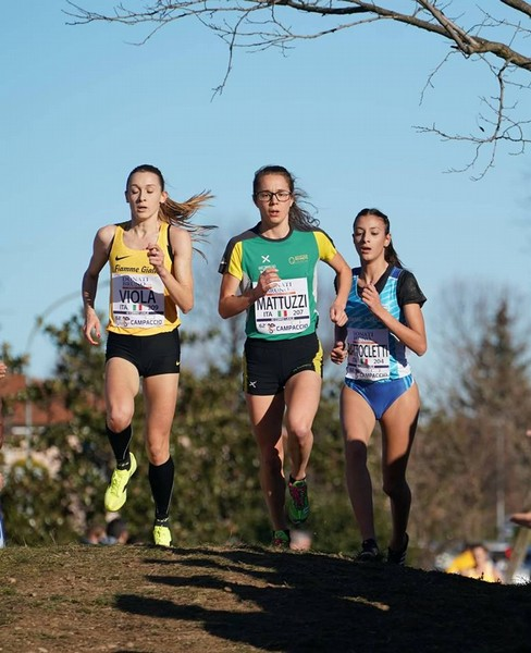 Isabel Mattuzzi con Giulia Viola e Nadia Batticletti (foto Atleticamente)