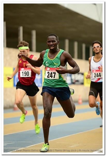 Toure Pornon migliora lo stagionale sugli 800m (foto Vernesoni)