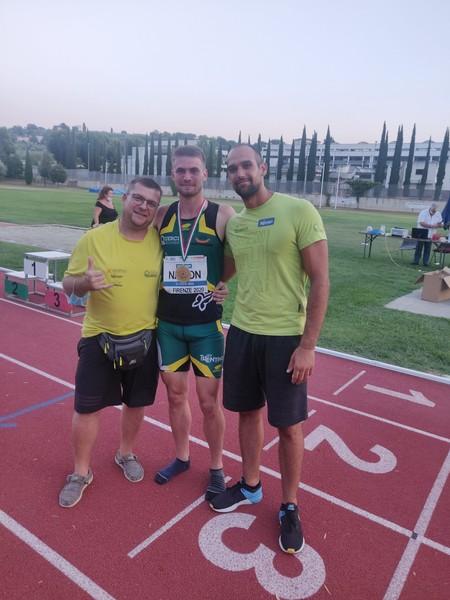 Lorenzo Naidon con il suo tecnico Alberto Faifer ed il tecnico dell'asta Luca Giordani