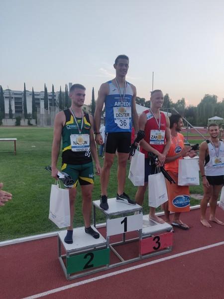 Lorenzo Naidon sul podio con Dario Dester (primo) e Jacopo Zanatta (terzo)
