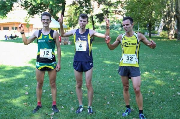Podio del campionato treino di corsa in montagna, a sx Emanuele Franceschini (foto Atl-Eticamente)
