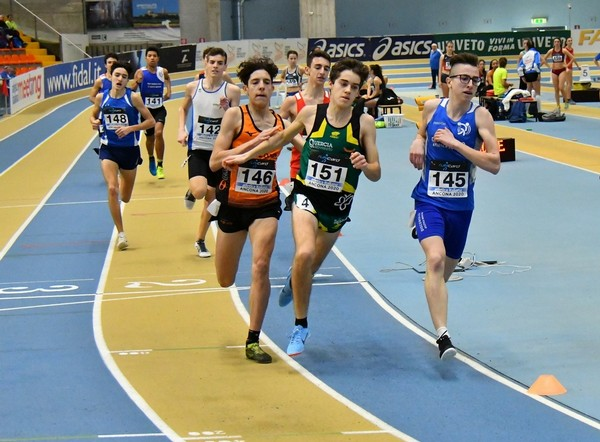 Simone Valduga verso l'argento degli 800m (foto FIDAL/Colombo)