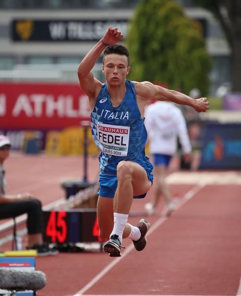 Simone Fedel nelle qualificazioni del triplo (foto FIDAL/Colombo)