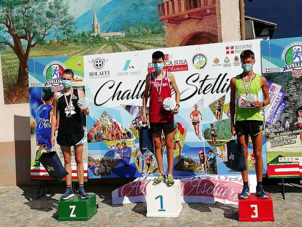 Francesco Ropelato sul gradino piu' alto del podio (foto S. Marongiu)