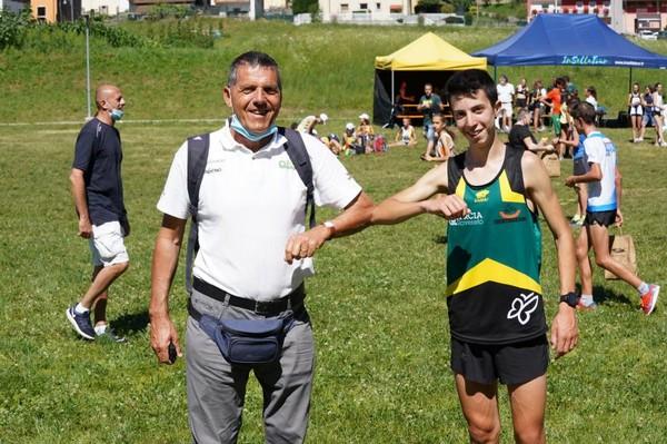 Francesco Ropelato (Us Quercia Trentingrana) con il tecnico Antonio Purin - Foto di Roberto Passerini / Atl-Eticamente