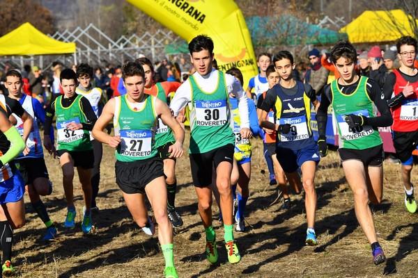 """Partenza della Cadetti """"monopolizzata"""" dagli atleti giall-verdi (foto M. Volcan)"""