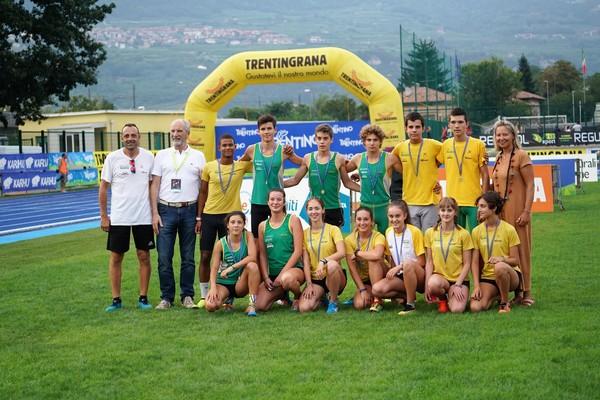 Gruppo U16 che ha corso gli 80m (foto Atl-eticamente)