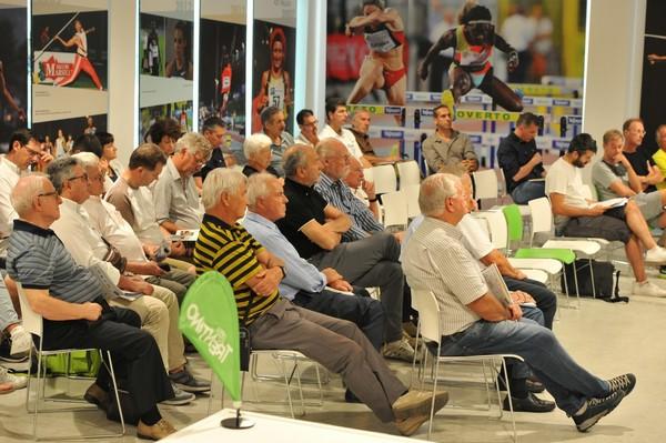 Il pubblico presente alla presentazione (foto Marco Volcan)