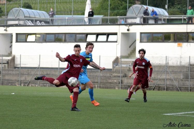 Alex Orlando scarica il destro del primo gol