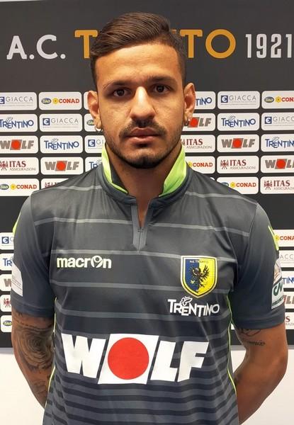 Gabriel Nunes Da Cunha posa con la sua nuova maglia