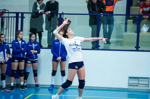 Beatrice Pozzoni, nell'arena biancorossa, nella sfida fra CercaSì Volano e Volleybas Udine (Foto di Nicola Stedile)