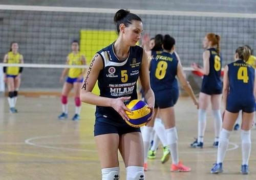 Elena Gabrieli si prepara al servizio