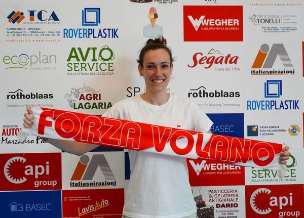 La regista Aurora Bonafini nella sede di Volano Volley