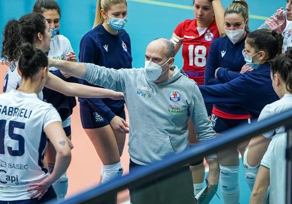 Luca Parlatini durante un time-out nell'Arena Biancorossa (Foto di Nicola Stedile)