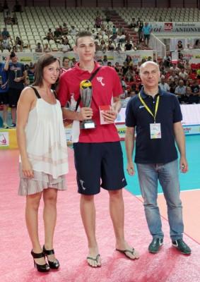 Simone Giannelli premiato come Mvp del Trofeo delle Regioni 2012 vinto dal Trentino