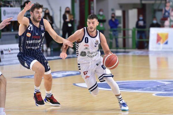 Foto Dinamobasket / Luigi Canu / Ciamillo-Castoria