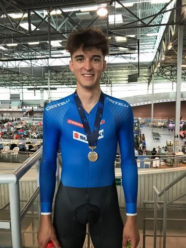 Matteo Bianchi con la medaglia di bronzo conquistata agli Europei di Gent