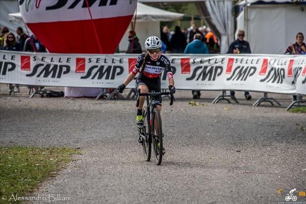 Nicole Azzetti all'arrivo (foto Al. Billiani/Treviso Mtb)
