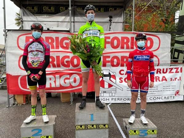 Il podio con Alessio Magagnotti (terzo) a destra