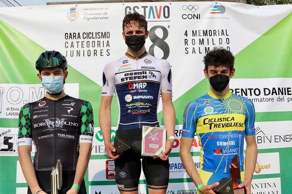 Il podio con Marco Andreaus al centro