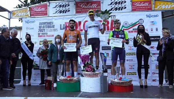 Il podio con il vincitore Giulio Masotto al centro