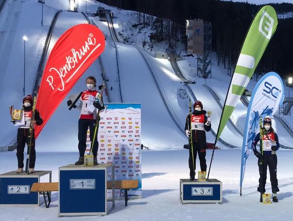 Il podio della gara femminile con Annika Sieff quarta
