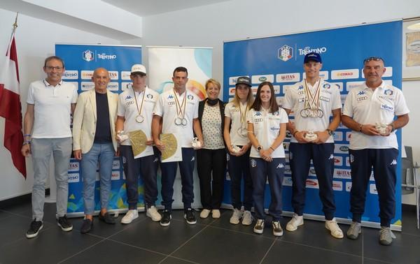 I medagliati con Failoni, Mellarini e Mora (foto Battisti)