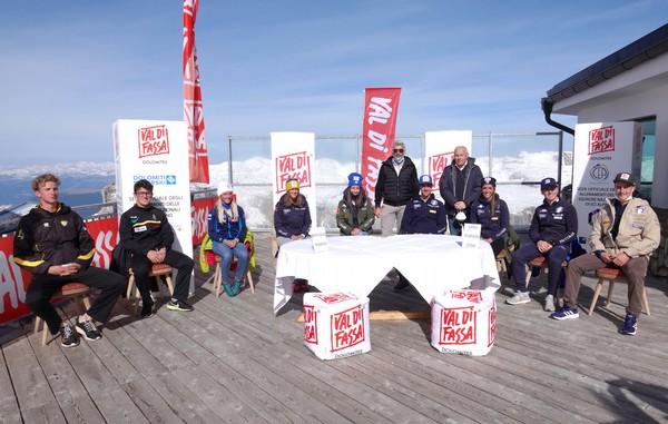 Il team Val di Fassa 2021 con Lorenz e Dalpez