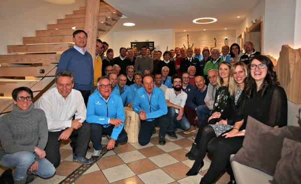 IL gruppo dirigenti e volontari di Marcialonga