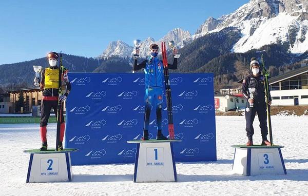 Iacopo Bortolas sul terzo gradino del podio a Ramsau
