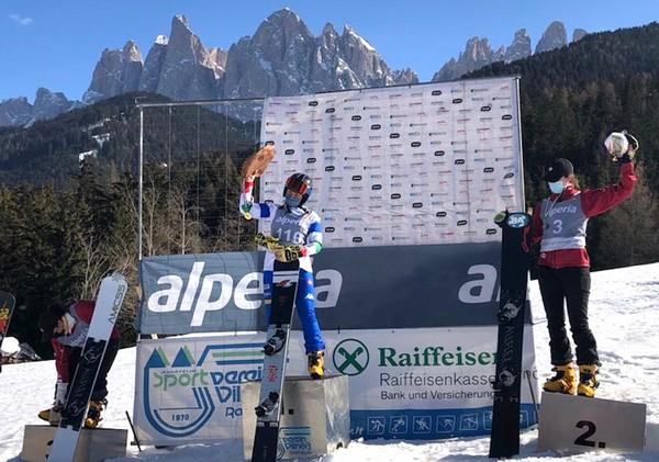 Lucia Dalmasso sul gradino più alto podio
