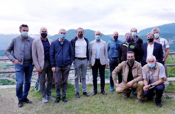 Il Consiglio Regionale di Fisi del Trentino con l'assessore Robert Failoni