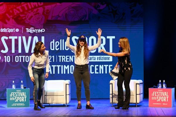 Marta Bassino e Sofia Goggia  (foto Ufficio Stampa Provincia Trento)
