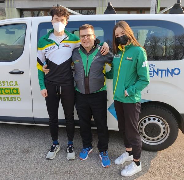 Simone FEdel con il tecnico Alberto Faifer ed Asia Tavernini