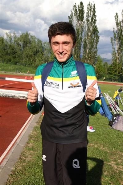 Un soddisfatto Andrea Furlan Pavesi dopo il 7,09 nel lungo (foto Facchini)